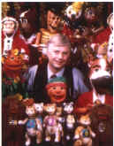 peter with puppets.jpg (125286 bytes)
